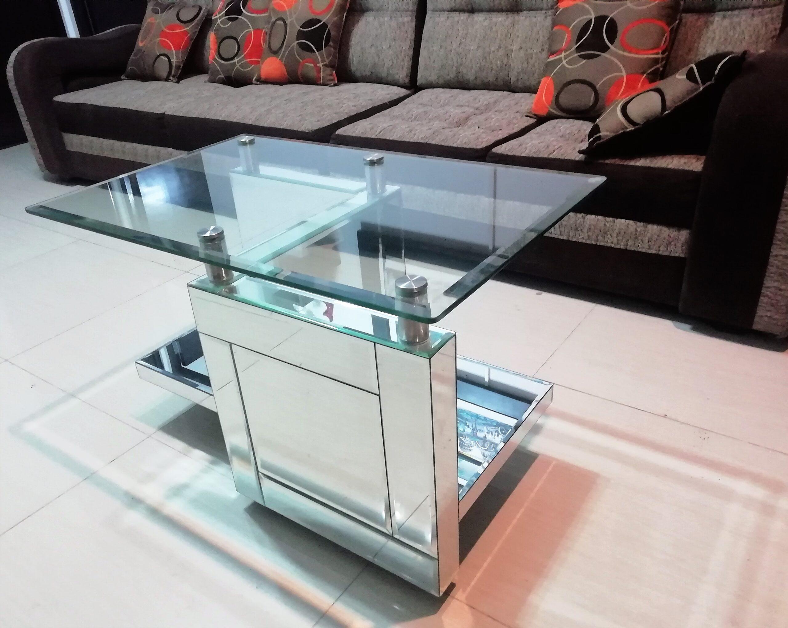 mesa de centro con espejos