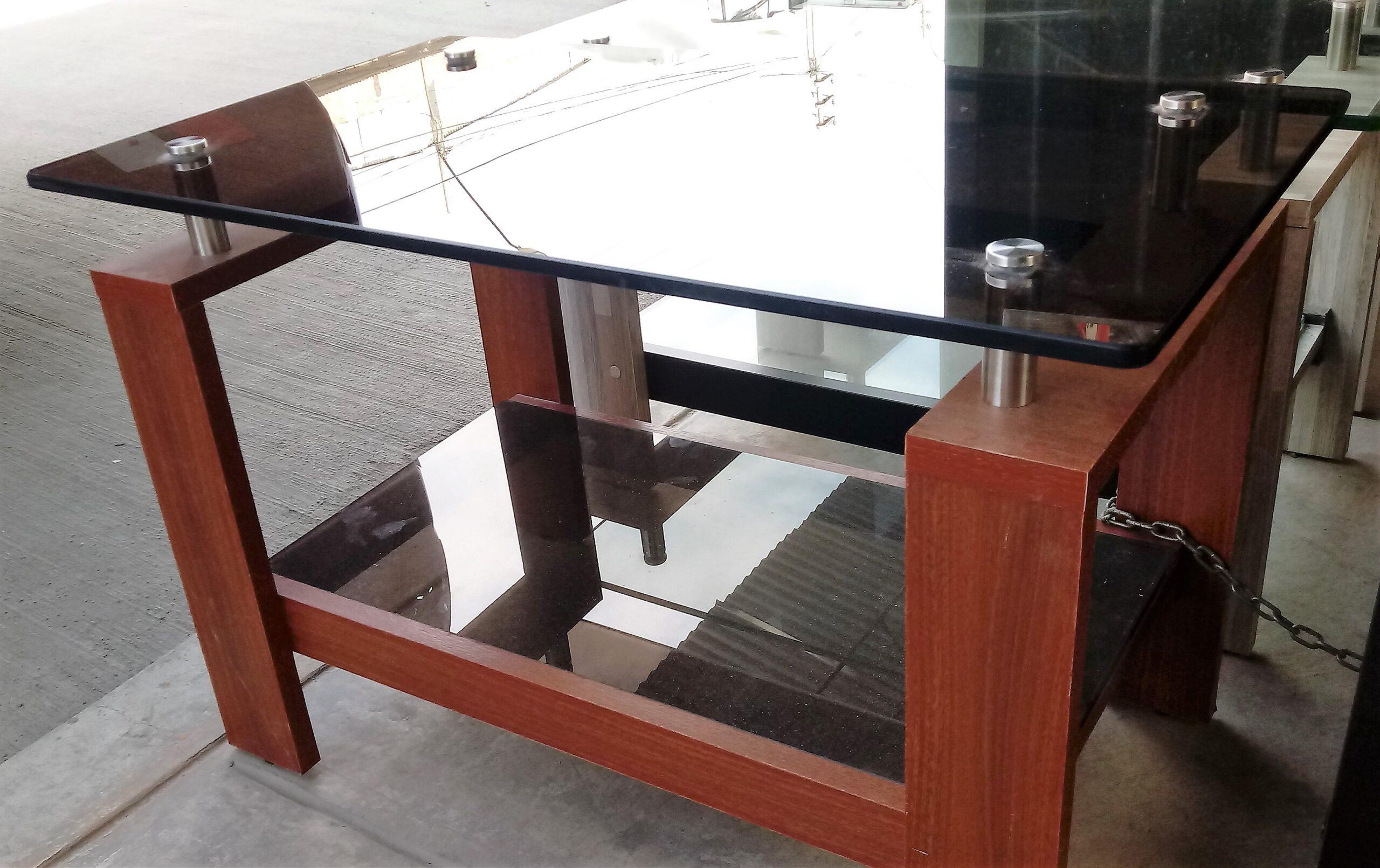 mesas de centro con melamine y dos tableros de vidrio