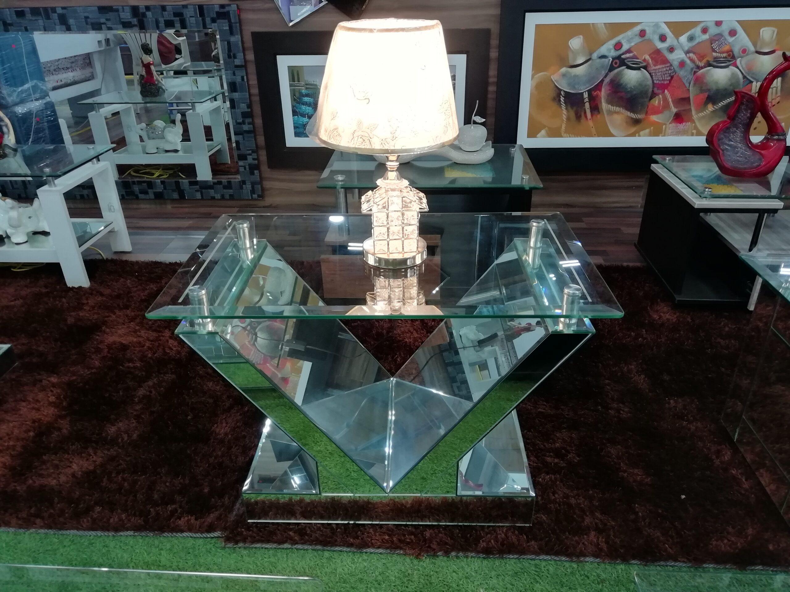 mesas de centro en forma de y con espejos